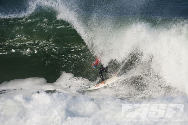 Kelly Slater (USA), 40, will take on Joel Parkinson (AUS), 31, in Semifinal 2 of the Quiksilver Pro France.