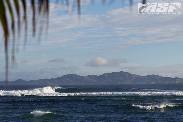 Pumping four-to-six foot (1.5 ? 2 metre) Restaurants awaits the world?s best surfers for Round 3 of the Volcom Fiji Pro.