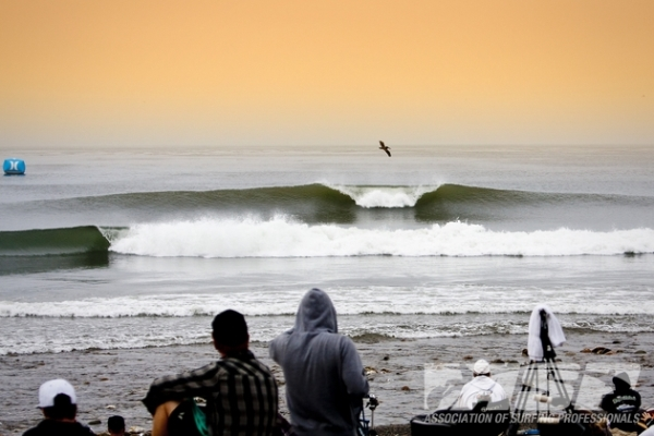The world's best female surfers will come to Lower Trestles for the 2014 ASP Women's World Championship Tour!