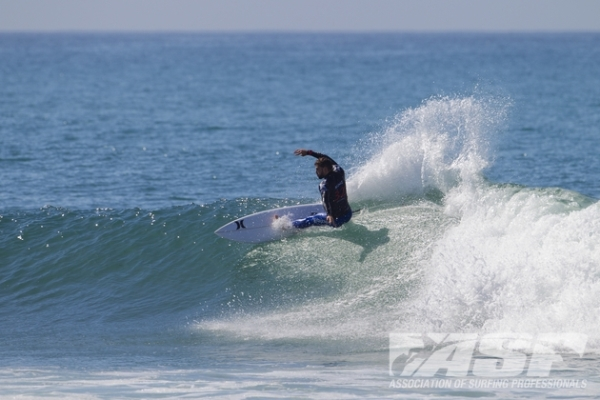 Alejo Muniz (BRA), 23, handed John John Florence (HAW), 20, a Round 2 defeat today at the Hurley Pro at Trestles.