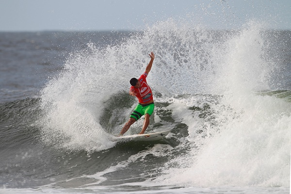 Michel Bourez (PYF), 22, posted the highest heat total of the day, a 17.90 out of a possible 20, at the Quiksilver Pro Gold Coast.