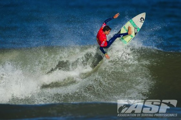 Filipe Jarvis of Portugal was a standout in Round 2 of the Sooruz Lacanau Pro today.