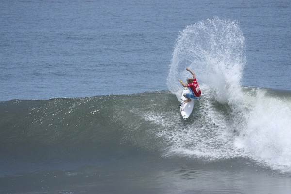 Stu Kennedy posted a 9.67 and 9.00 in his opening heat at the Reef Pro El Salvador today.