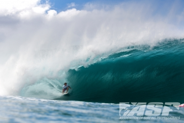 Yadin Nicol (AUS), 27, will be fighting for his spot amongst next year's elite today at the Billabong Pipe Masters in Memory of Andy Irons.