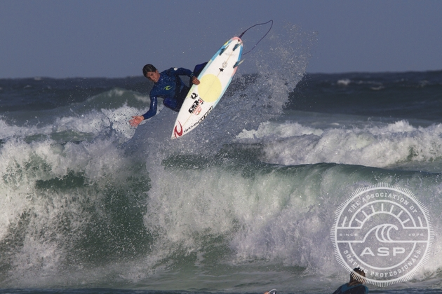 Gabriel Medina (BRA), 18, will surf in Heat 9 Round 3 of the HD World Junior Championships.