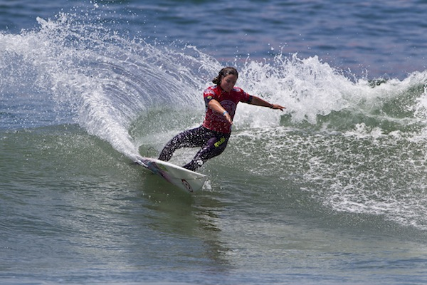 Tyler Wright (AUS) advanced directly to the Quarterfinals of Vans US Open competition with a Round 3 win today.