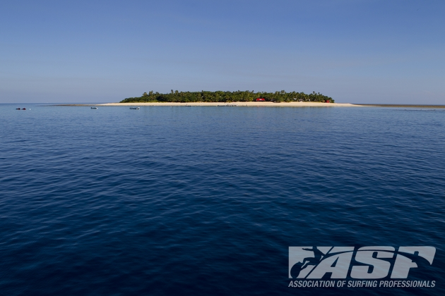 The island of Tavarua will host the ASP Top 34 in improved conditions in the coming days.