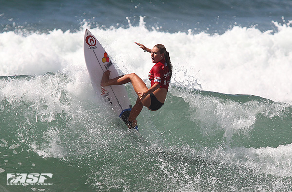 2012 ASP World Junior Champion Nikki Van Dijk at the Burton Toyota Pro Junior today. Pic Sproule/RedMonkey