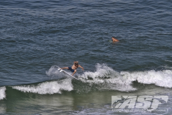 Bede Durbidge (AUS), 30, making the most of the lay day conditions at Barra da Tijuca.