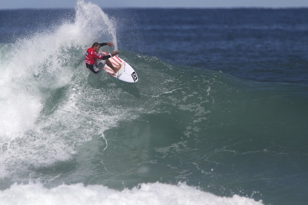 Jadson Andre (BRA), former ASP WCT surfer, advanced to the Quarterfinals of the Quiksilver Saquarema Prime.
