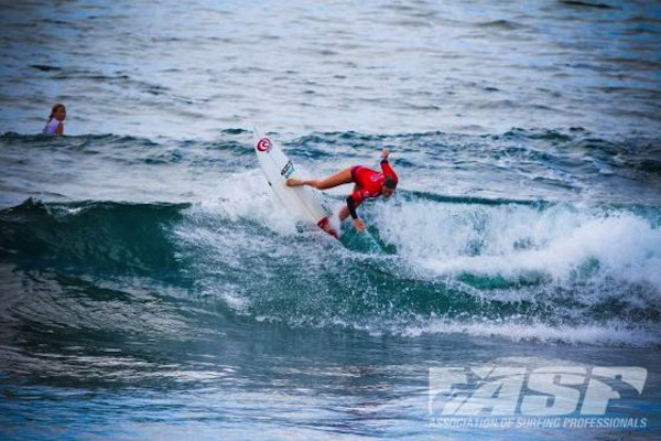 Cannelle Bulard will surf in Quarterfinal No. 2 of the Gijon Pro Junior tomorrow.