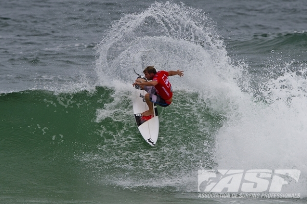 Taj Burrow (AUS), 34, defending event champion, will take on Bede Durbidge (AUS), 30, and Raoni Monteiro (BRA), 30, in the opening heat of the Quiksilver Pro Gold Coast.