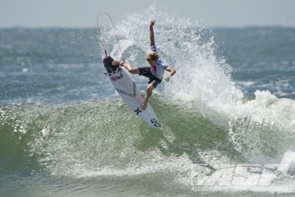 Kolohe Andino (USA), 19, will take on Sebastian Zietz (HAW), 25, in Round 2 of the Quiksilver Pro Gold Coast.