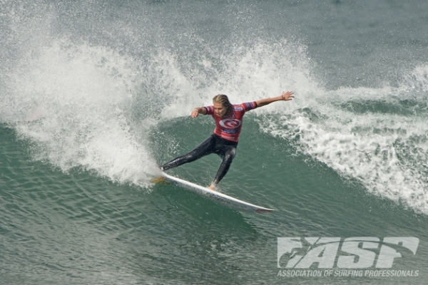 Stephanie Gilmore (AUS), 25, reigning five-time ASP Women's World Champion, will battle it out in Round 2 of the Rip Curl Women's Pro Bells Beach this morning.