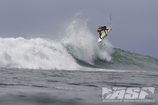 Miguel Pupo (BRA), 21, will take on fellow goofy-footer Fred Patacchia (HAW), 31, in Heat 10 Round 2 of the Hurley Pro at Trestles.