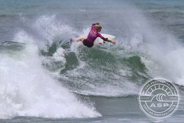 Bianca Buitendag (ZAF), 19, ASP Women's WCT Rookie and two-time World Junior runner-up, advanced to the Quarterfinals of the HD World Junior Championships today.