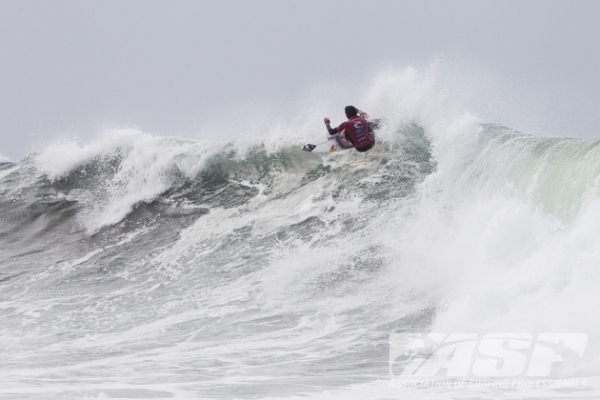 Jordy Smith (ZAF), 25, posted a near-perfect 19.14 out of a possible 20 at Bells Beach today.