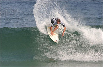 CJ Hobgood won the O'Neill SI Pro by the narrowest of margins, defeating Gabe Kling by only 0.07 points. Pic Credit ASP Tostee