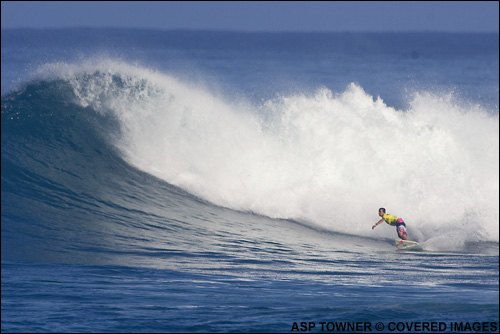 Amee Donohoe Runner Up Roxy Pro Hawaii Sunset Beach.  Surfing Photo Credit ASP Tostee
