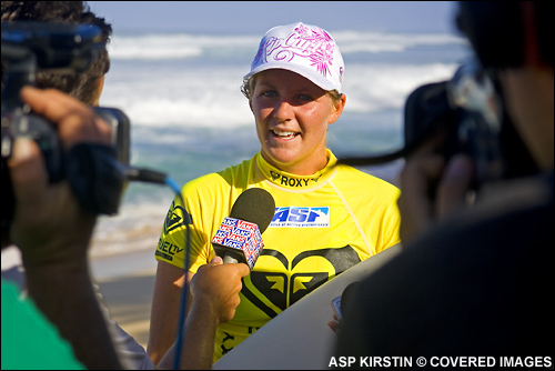 Stepanie Gilmore Quater Finals loss Roxy Pro Hawaii Sunset Beach.  Photo Credit ASP Tostee