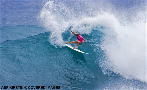 Stephanie Gilmore Roxy Pro Hawaii 2007.  Surfing Photo ASP Tostee