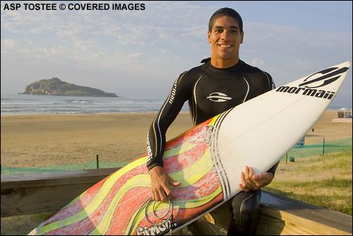Heitor Alves Hang Loose Santa Catarina Pro Brazil Surf Contest.  Photo Credit ASP Tostee