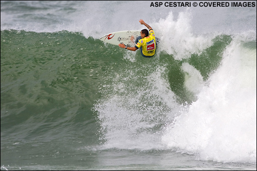 Raoni Monteiro Quiksilver Pro France Surf Contest