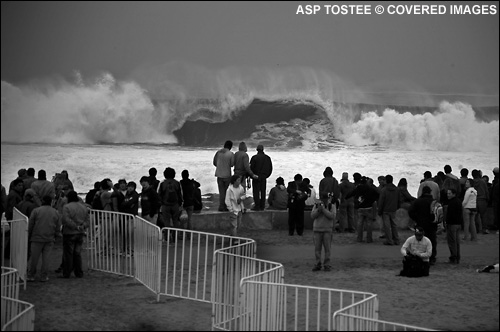 Big Surf at the Rip Curl Pro Arika Chile