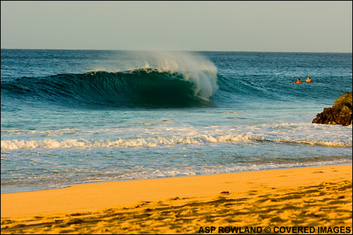 386f2c90e0f52c BILLABONG PIPELINE MASTERS OFF TODAY  NEXT CALL TOMORROW