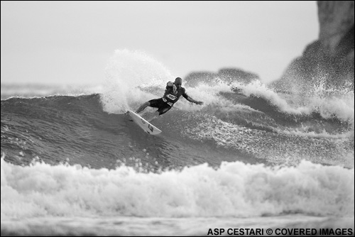 Kelly Slater Surfing In The Hang Loose Santa Catarina Pro Surf Contest.  Photo Credit ASP Tostee