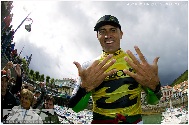 Kelly Slater Wins World Title #9 on Day 5 of the Billabong Pro Mundaka.  Credit ASP Tostee